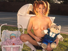 Babysitter Unfathomable Face holes Everyone Cums