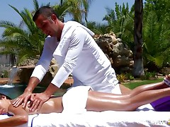 hawt brunette getting oiled at massage