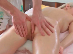 Petra receiving hot erotic massage during the time that too being deeply toyed